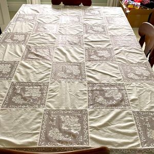 Vintage White Lace Tablecloth Grapes Floral